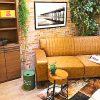 明度を落とした無機質な部屋と家具で作る!大人テイストブルックリンコーディネート!